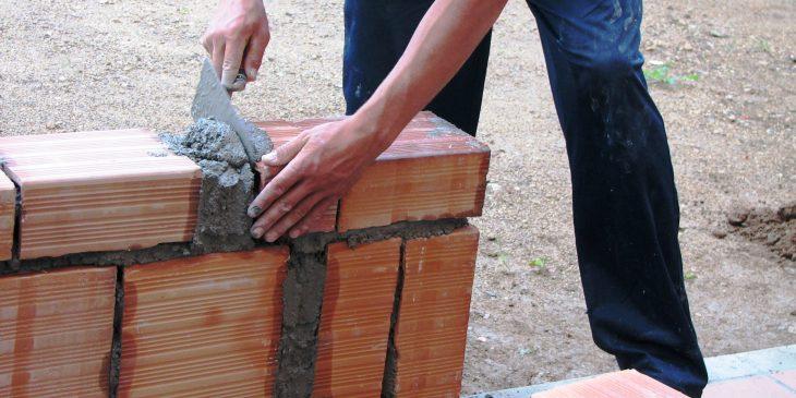 Dunski-sektor-budowlany-spadek-zatrudnienia